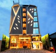 Yellow Star Ambarukmo Hotel di Jogja